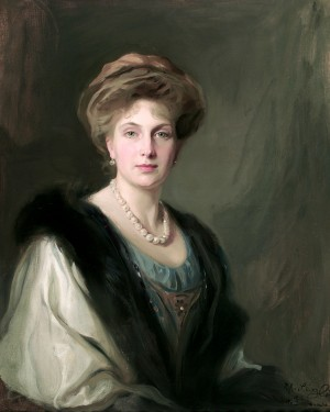 Spain, Queen Victoria Eugenia of, née Princess Victoria Eugénie Julia Ena of Battenberg; Consort of Alfonso XIII 7933